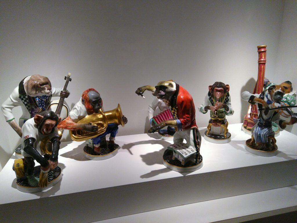 Bild: musizierende Porzellanfiguren